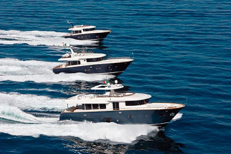 GAMMA MAESTRO Con la creazione della linea Maestro, i cantieri Apreamare danno avvio nel 2005 ad una nuova fase realizzando una linea di imbarcazioni caratterizzate da un equilibrio perfetto tra&